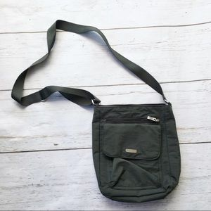 Baggallini nylon crossbody or shoulder travel bag